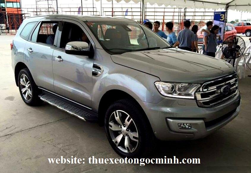 Thuê xe tháng 7 chỗ ford Everest tại Hà Nội