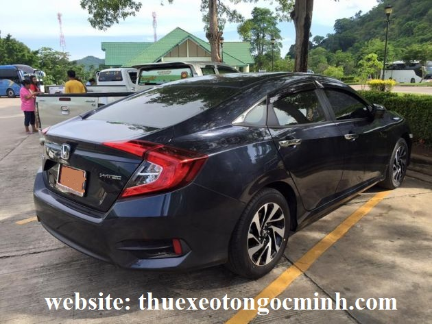 thuê xe tháng 4 chỗ Honda Civic tại Hà Nội
