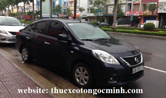 thuê xe tháng 4 chỗ nissan sunny tại Hà Nội