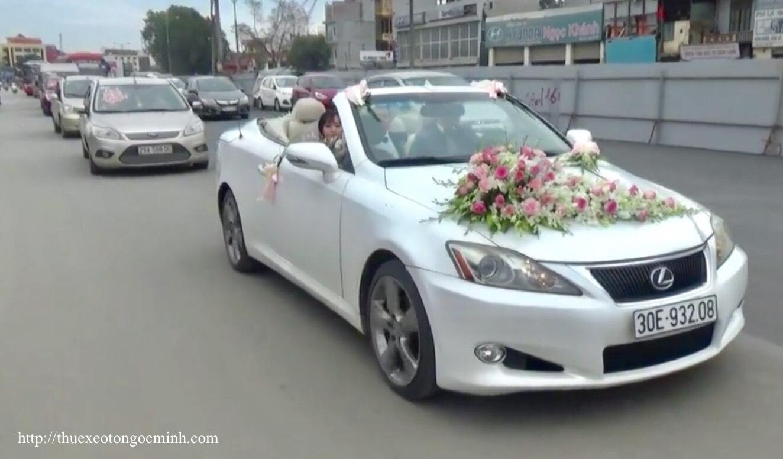 Cách trang trí xe cưới đơn giản tiết kiệm chi phí