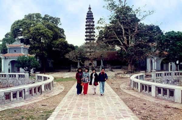 Dịch vụ cho thuê xe đi du xuân chùa Phổ Minh – Nam Định