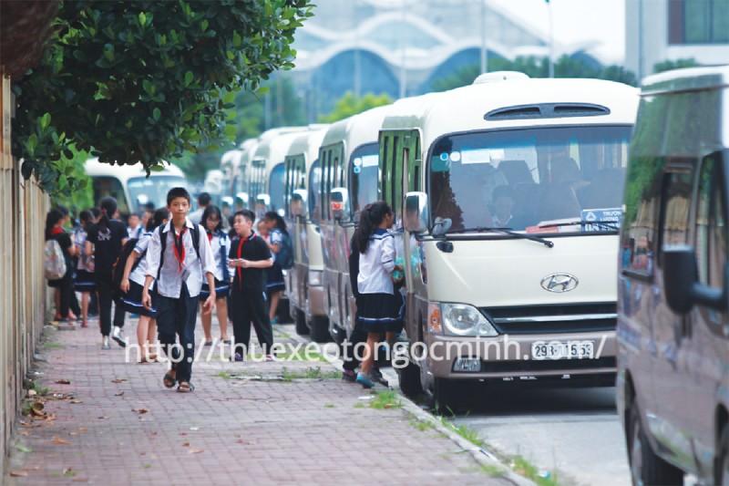 Cho thuê xe 29 chỗ đưa đón học sinh ở Hà Nội