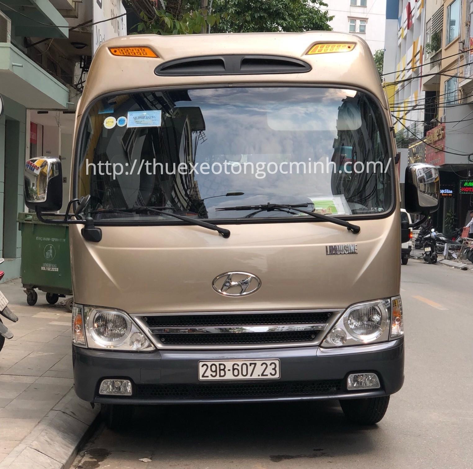 Thuê xe 29 chỗ Hyundai County tại Hà Nội