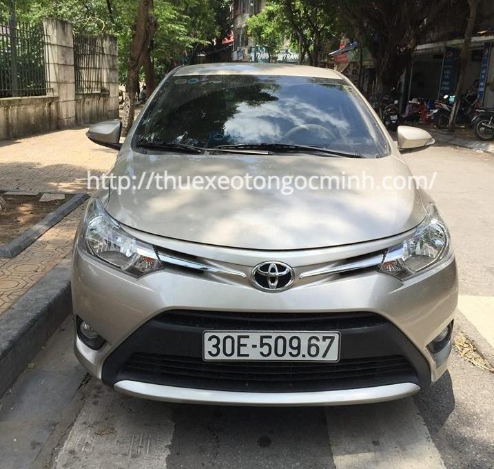 Giá thuê xe 4 chỗ đi một ngày tại Hà Nội