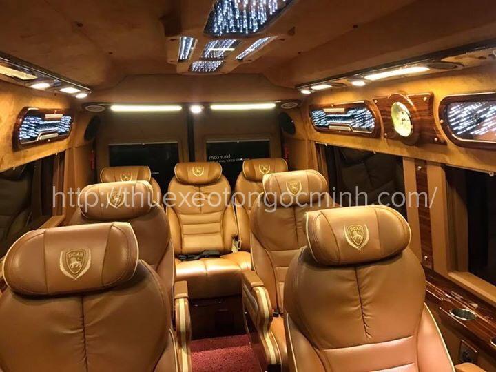 Ngọc Minh cho thuê xe 9 chỗ Dcar Limousine hiện đại, giá rẻ