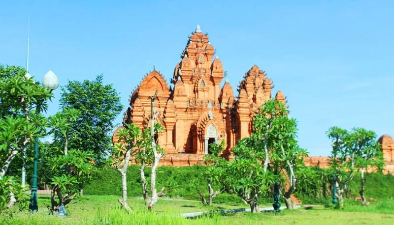 Làng văn hóa các dân tộc Việt Nam du lịch cuối tuần