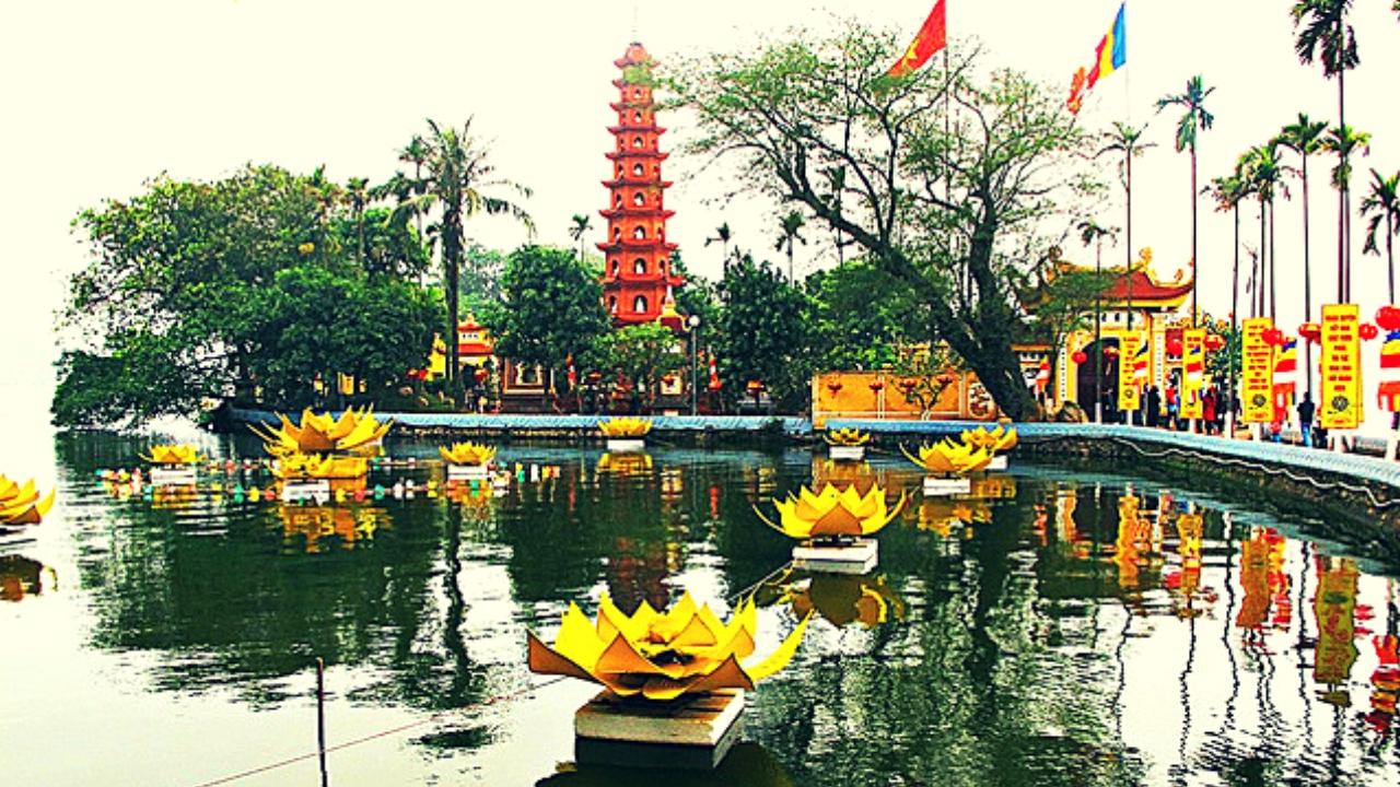 Chùa Trấn Quốc - ngôi chùa linh thiêng nhất ở Hà Nội