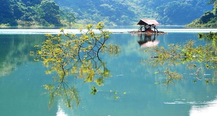 Phong cảnh nên thơ trữ tình hồ Thang Hen