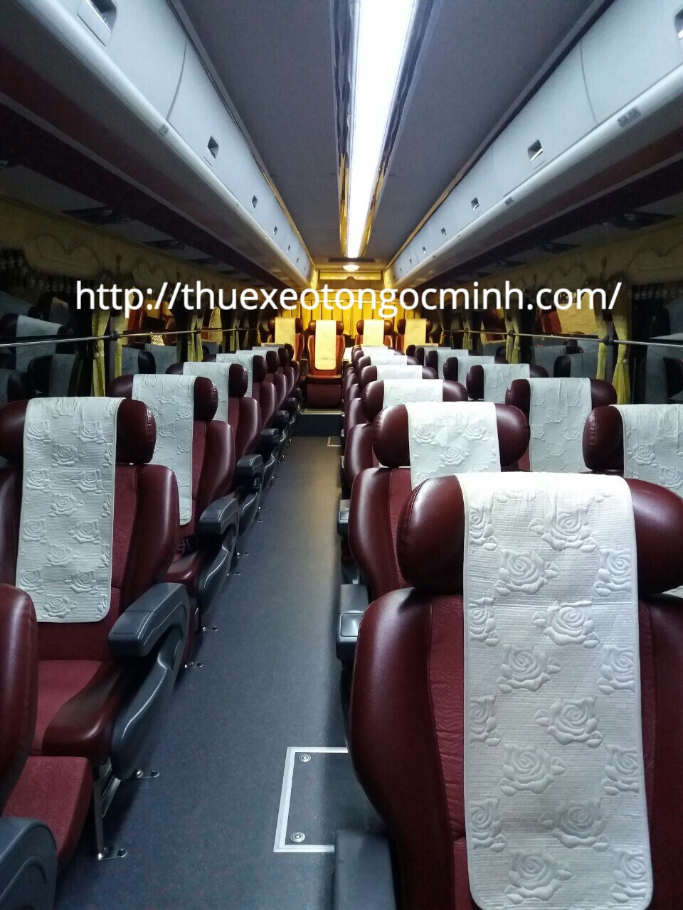 Thuê xe 45 chỗ đi cảng Cái Rồng tại Ngọc Minh