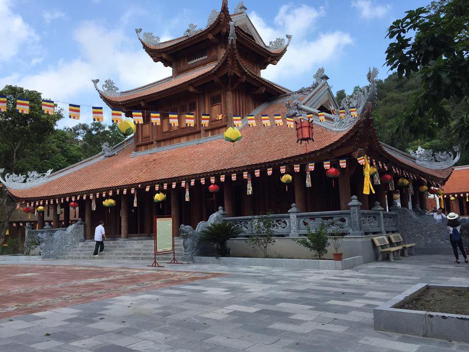 Cho thuê xe 16 chỗ đi chùa Côn Sơn – Hải Dương